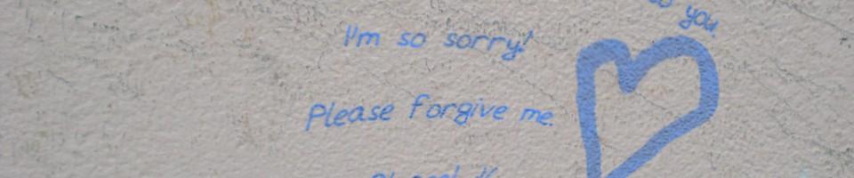 I'm sorry! - Bild von codisten / Shabby White Wall / flickr.com / cc by-nd 2.0